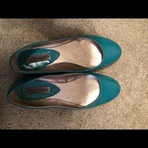 Steve Madden Green Flats - Size 8